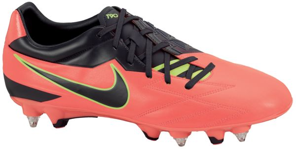 Nike_Total90__Strike_IV_SG